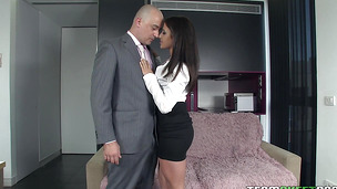 Frisky brunette Yarissa Duran with large tits is always in the mood to give a blowjob to a stranger who needs it