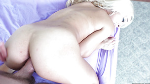 Dishy Ivy Stone enjoys sucking a big and strong donga