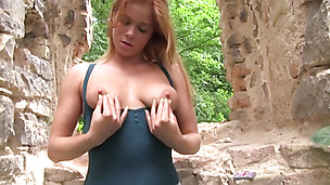 Wickedly hot Chrissy Fox rubbing her wet pussy in outdoors